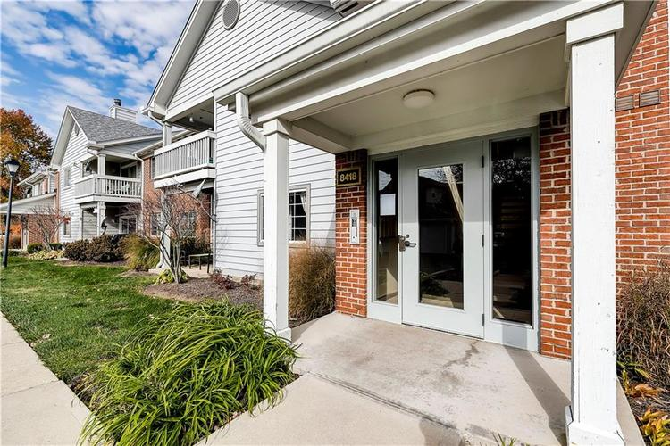 8418 Glenwillow Lane #101 Indianapolis, IN 46278 | MLS 21679365 | photo 1