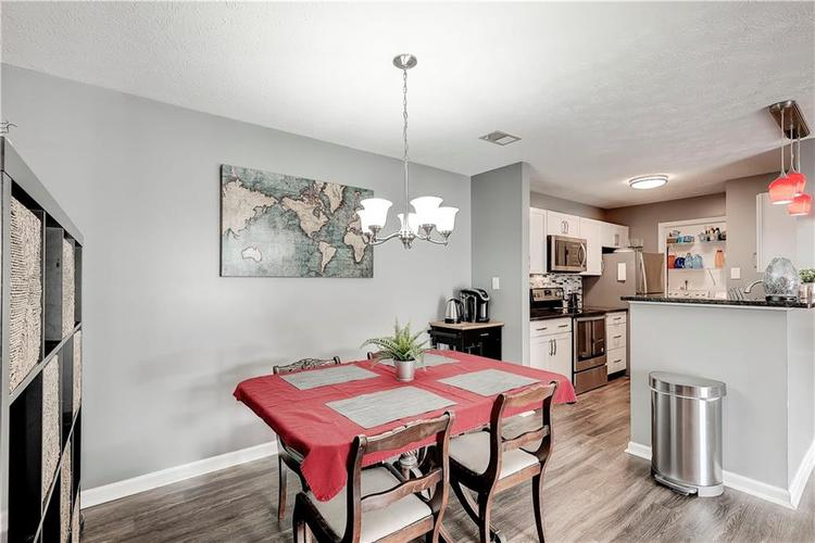 8418 Glenwillow Lane #101 Indianapolis, IN 46278 | MLS 21679365 | photo 13