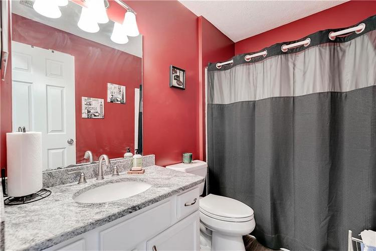 8418 Glenwillow Lane #101 Indianapolis, IN 46278 | MLS 21679365 | photo 19