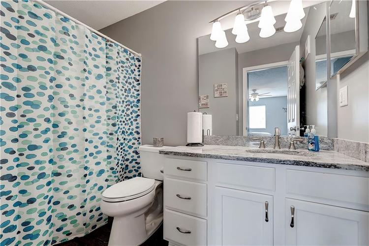 8418 Glenwillow Lane #101 Indianapolis, IN 46278 | MLS 21679365 | photo 22