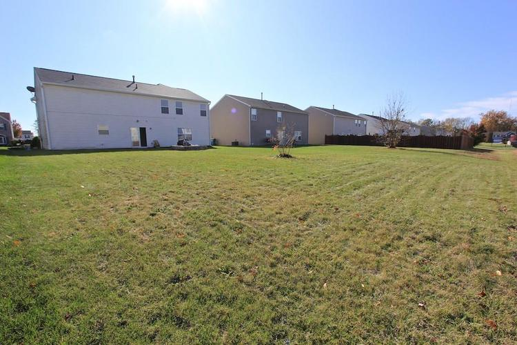 10918 GREEN MEADOW Place Indianapolis, IN 46229   MLS 21679375   photo 32