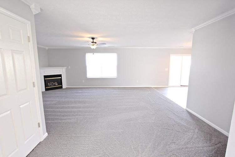10918 GREEN MEADOW Place Indianapolis, IN 46229   MLS 21679375   photo 8