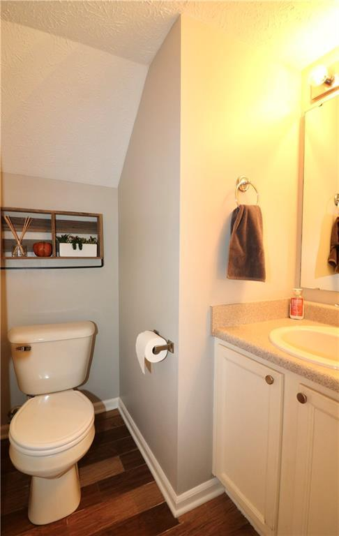 512 Southern Pines Drive Whiteland, IN 46184 | MLS 21679432 | photo 10