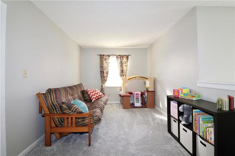 512 Southern Pines Drive Whiteland, IN 46184 | MLS 21679432 | photo 12