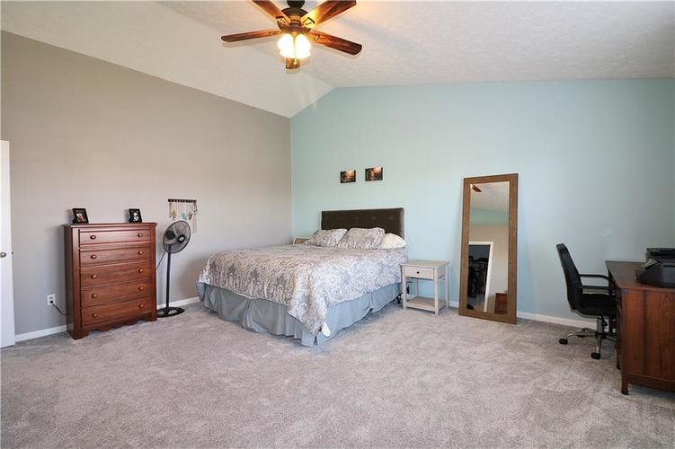 512 Southern Pines Drive Whiteland, IN 46184 | MLS 21679432 | photo 19