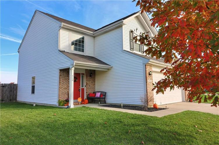 512 Southern Pines Drive Whiteland, IN 46184 | MLS 21679432 | photo 2