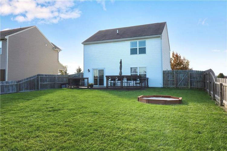 512 Southern Pines Drive Whiteland, IN 46184 | MLS 21679432 | photo 22