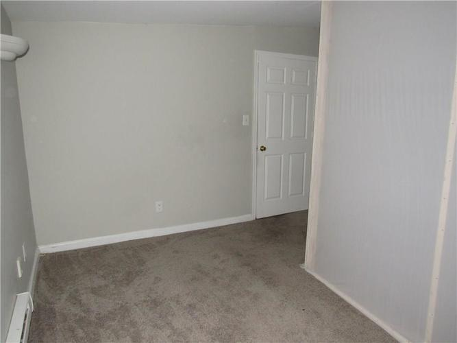 9404 E 36TH Place Indianapolis, IN 46235 | MLS 21679438 | photo 11