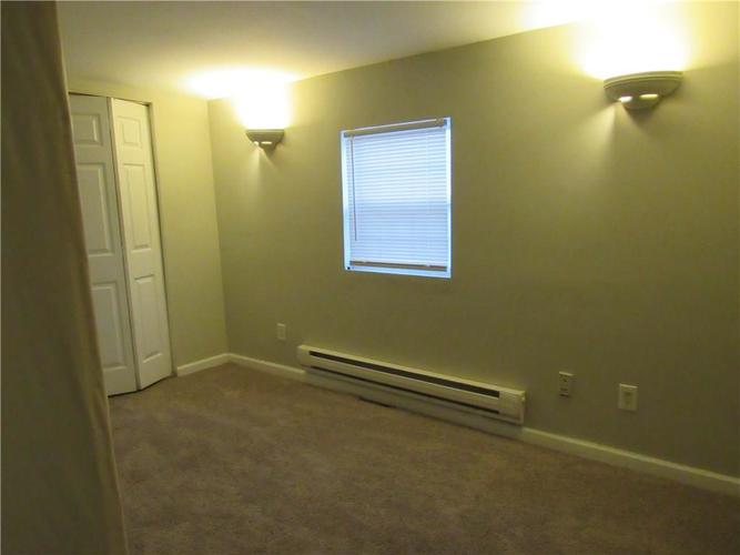 9404 E 36TH Place Indianapolis, IN 46235 | MLS 21679438 | photo 12