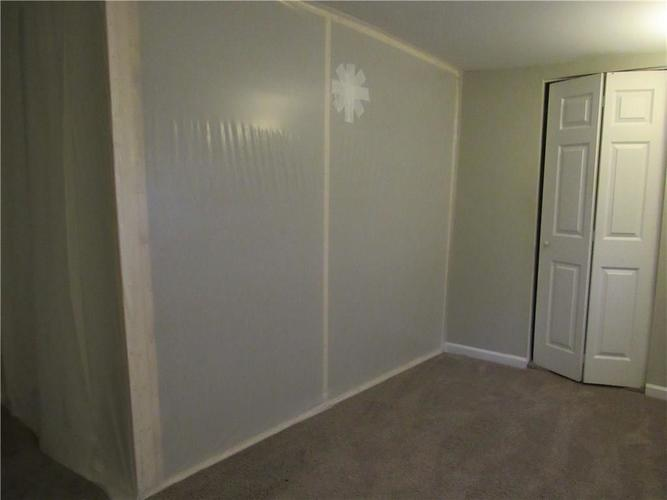 9404 E 36TH Place Indianapolis, IN 46235 | MLS 21679438 | photo 13
