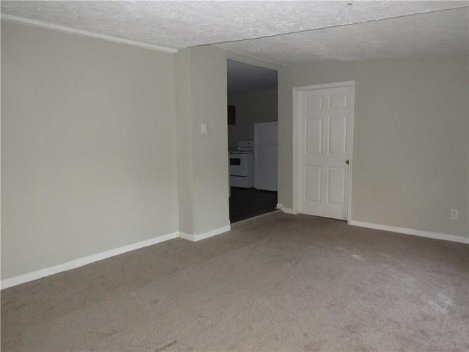 9404 E 36TH Place Indianapolis, IN 46235 | MLS 21679438 | photo 14