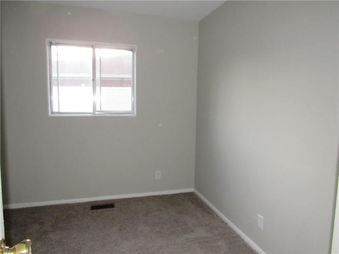 9404 E 36TH Place Indianapolis, IN 46235 | MLS 21679438 | photo 16