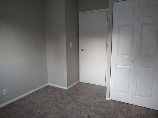 9404 E 36TH Place Indianapolis, IN 46235 | MLS 21679438 | photo 17