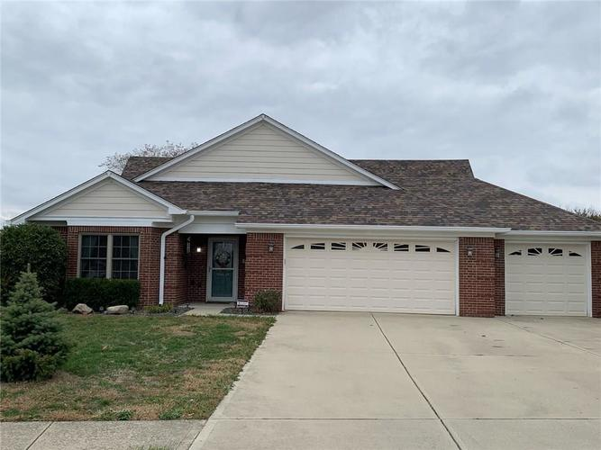 1556 N Manchester Drive Greenfield, IN 46140 | MLS 21679465