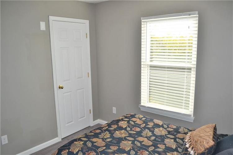 5543 FOREST RIDGE Court Indianapolis, IN 46203 | MLS 21679476 | photo 22
