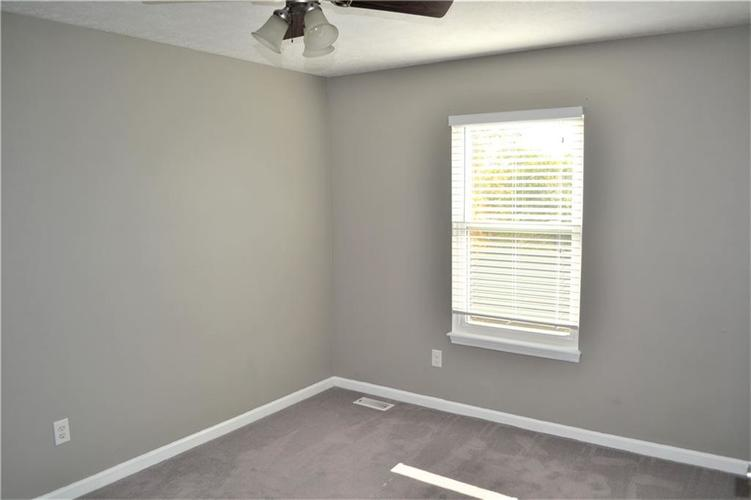 5543 FOREST RIDGE Court Indianapolis, IN 46203 | MLS 21679476 | photo 23