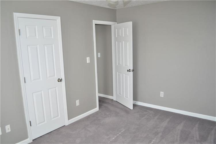5543 FOREST RIDGE Court Indianapolis, IN 46203 | MLS 21679476 | photo 24