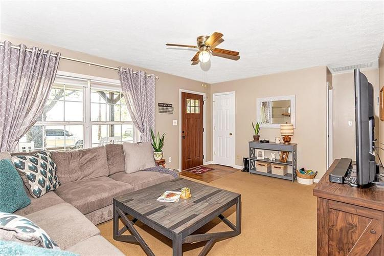 000 Confidential Ave.Mooresville, IN 46158 | MLS 21679501 | photo 6