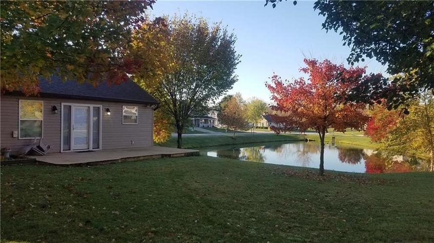 6036 Copeland Mills Drive Indianapolis, IN 46221 | MLS 21679502 | photo 2