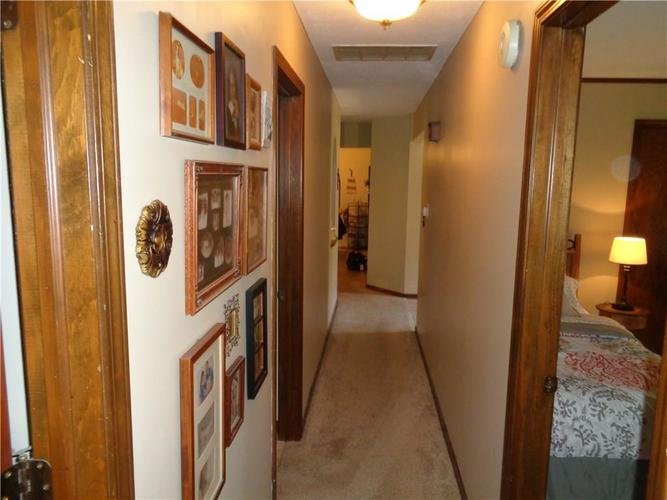 534 Greenlee Drive Indianapolis, IN 46234 | MLS 21679584 | photo 2