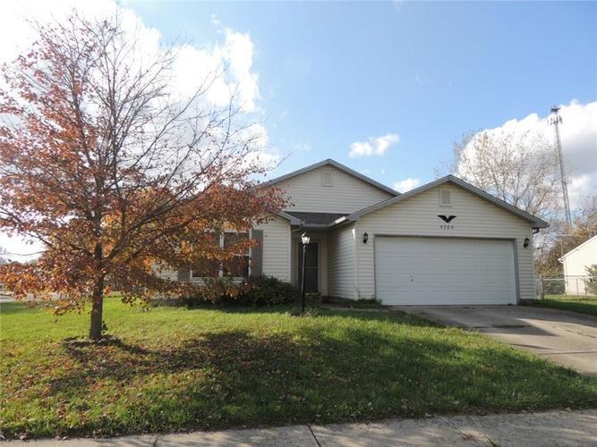 4204 Sycamore Court Franklin, IN 46131   MLS 21679609   photo 1