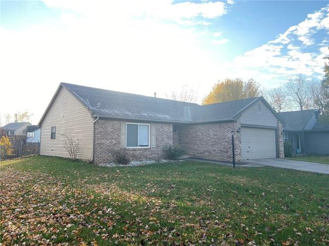 3911 BONN Drive Indianapolis, IN 46228 | MLS 21679753 | photo 2