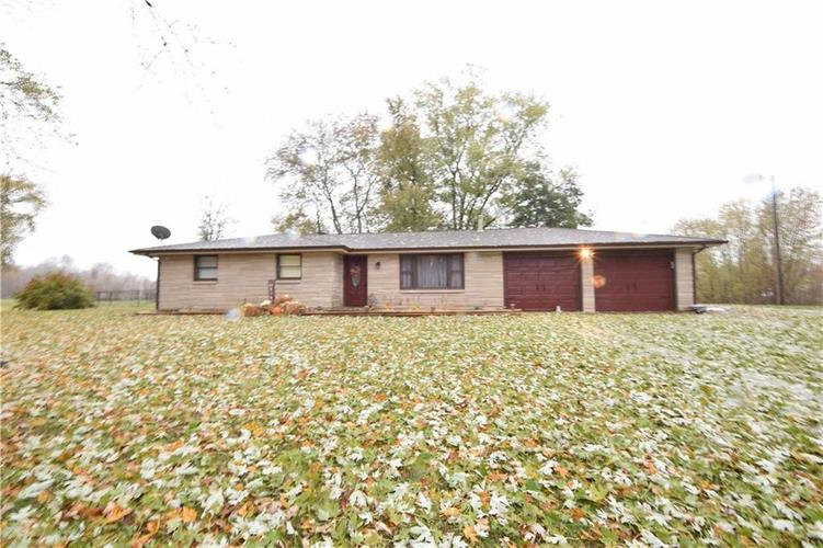 8884 N County Road 675 E Seymour, IN 47274 | MLS 21679794 | photo 1