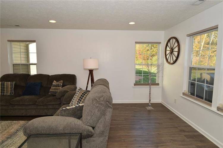 10518 Northern Dancer Drive Indianapolis, IN 46234 | MLS 21679831 | photo 6