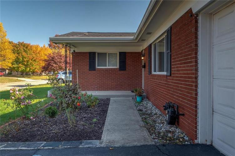 2041 Radcliffe Avenue Indianapolis, IN 46227 | MLS 21679943 | photo 5