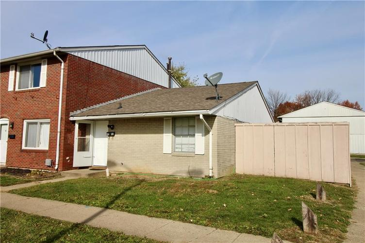 4042 GATEWAY Court Indianapolis IN 46254 | MLS 21679988 | photo 2