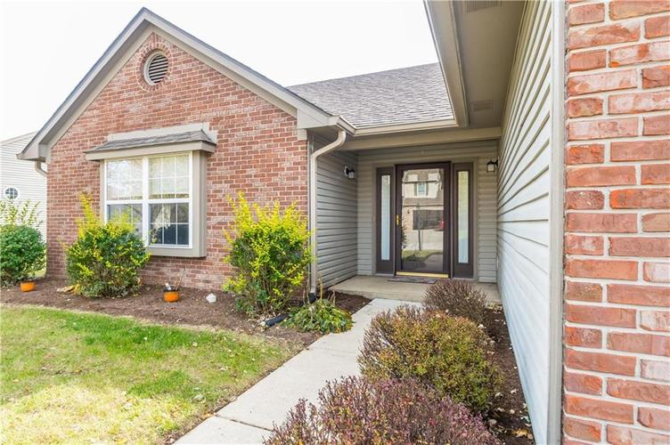6305 Whitaker Farms Drive Indianapolis, IN 46237 | MLS 21680000 | photo 3