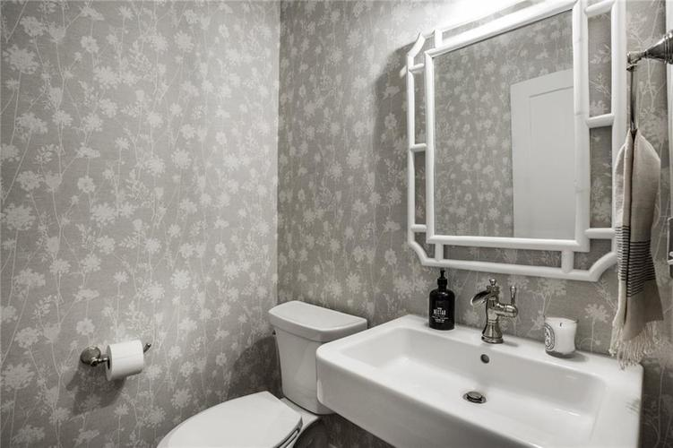5351 Broadway Street Indianapolis, IN 46220 | MLS 21680080 | photo 23