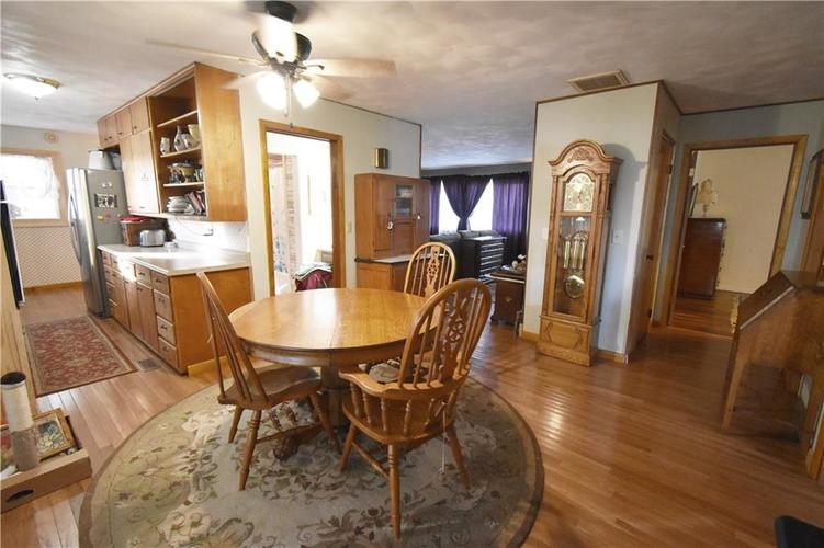 6354 W State Road 47 Thorntown, IN 46071 | MLS 21680097 | photo 2