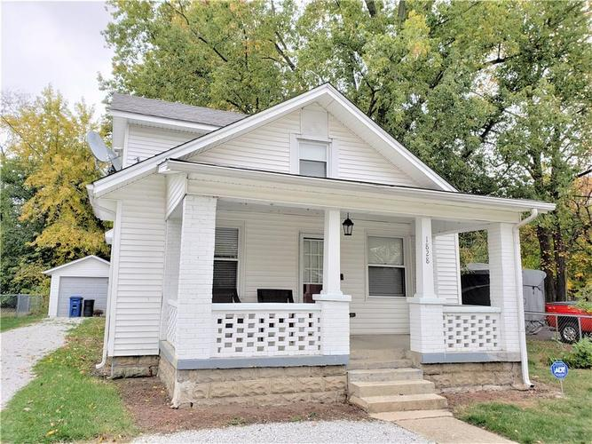 1828  Meridian Street Shelbyville, IN 46176 | MLS 21680192