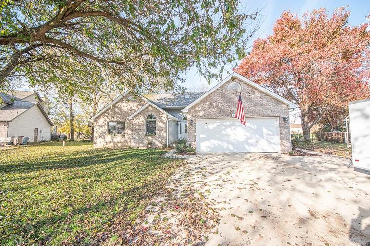 3520  Holly Court Columbus, IN 47203 | MLS 21680202