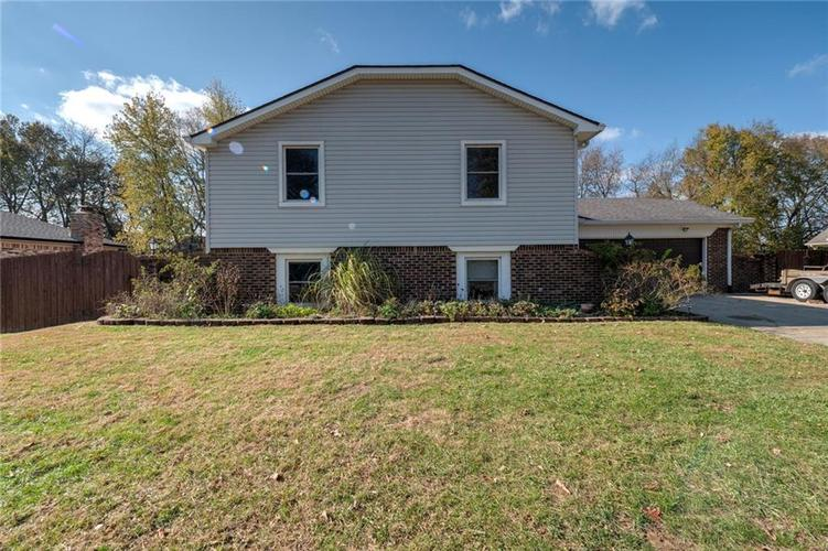 222  Leaning Tree Road Greenwood, IN 46142 | MLS 21680211