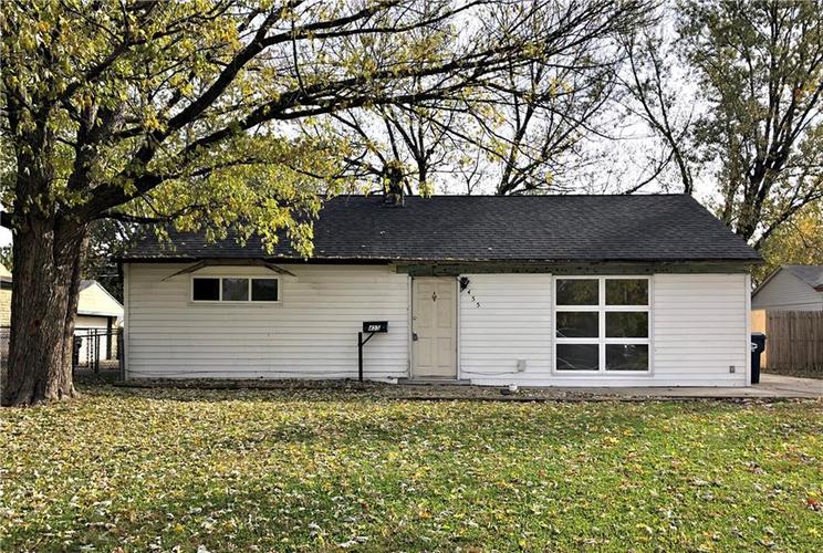 455 Southgate Drive Greenwood, IN 46143 | MLS 21680214 | photo 1
