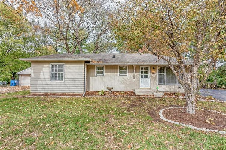 2210 E 70th Street Indianapolis, IN 46220 | MLS 21680216 | photo 2
