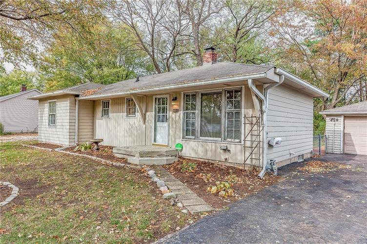 2210 E 70th Street Indianapolis, IN 46220 | MLS 21680216 | photo 39