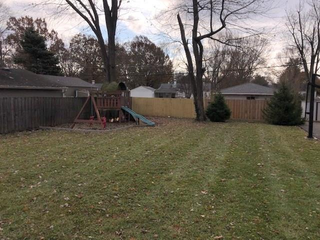 2605 E 71st Street Indianapolis, IN 46220 | MLS 21680260 | photo 15
