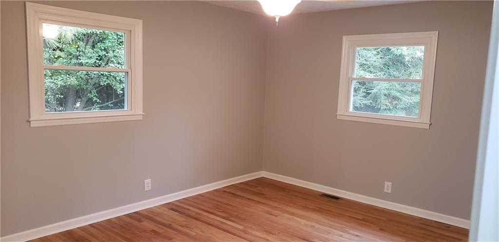 4205 Wyandotte Drive Indianapolis, IN 46220 | MLS 21680289 | photo 4
