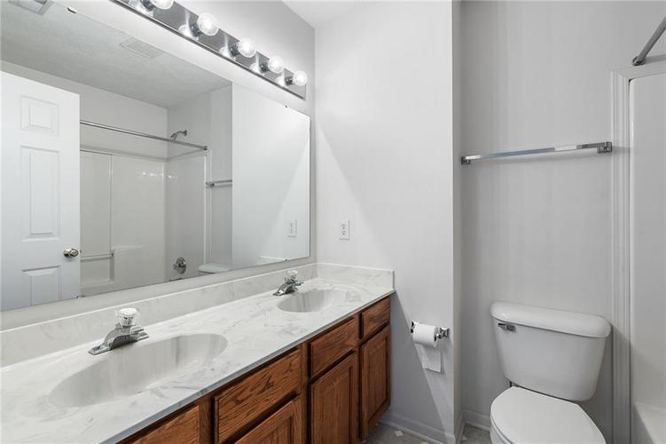 6454 Tanfield Court Indianapolis, IN 46268 | MLS 21680302 | photo 24