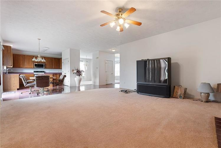 6454 Tanfield Court Indianapolis, IN 46268 | MLS 21680302 | photo 8