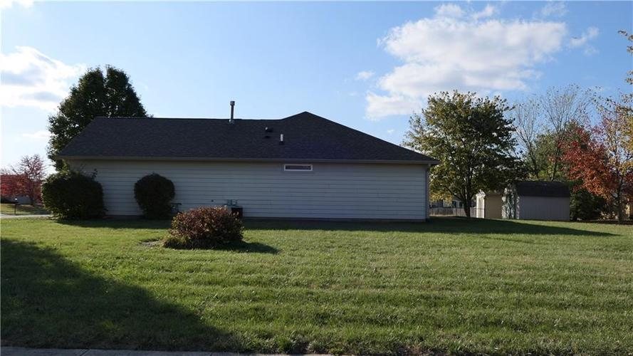 5652 Southern Mist Drive Indianapolis, IN 46237   MLS 21680303   photo 2