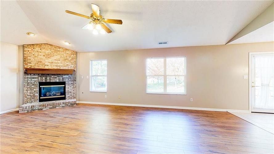5652 Southern Mist Drive Indianapolis, IN 46237   MLS 21680303   photo 7