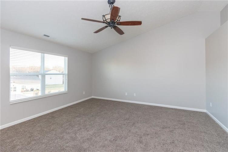 000 Confidential Ave.Greenwood, IN 46143 | MLS 21680304 | photo 13