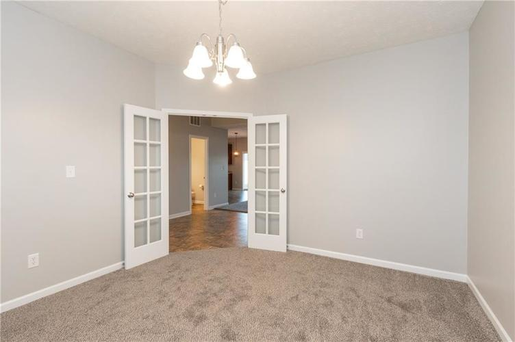 000 Confidential Ave.Greenwood, IN 46143 | MLS 21680304 | photo 4