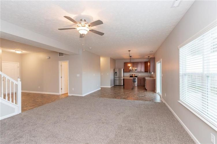 000 Confidential Ave.Greenwood, IN 46143 | MLS 21680304 | photo 6