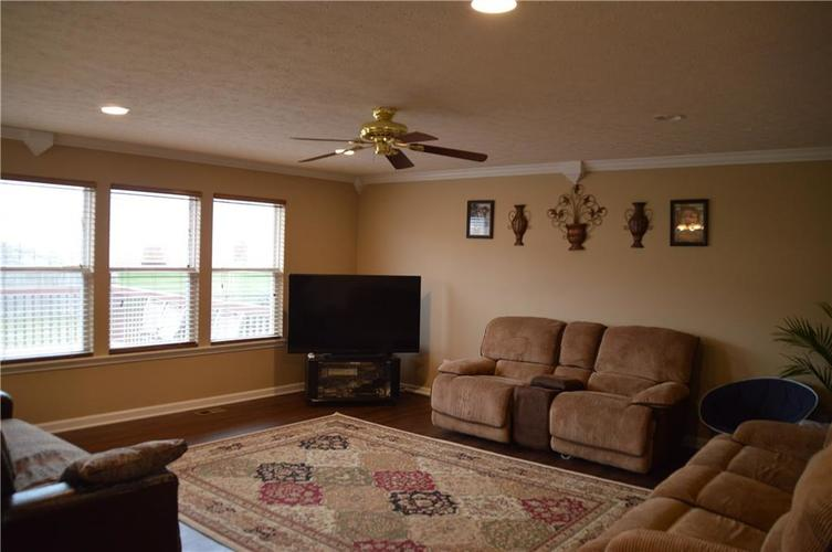 1628 Walpole Way Indianapolis, IN 46231 | MLS 21680335 | photo 25
