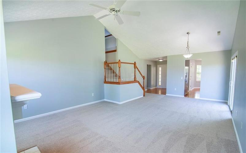 5019 Avian Lane Indianapolis, IN 46235 | MLS 21680346 | photo 11